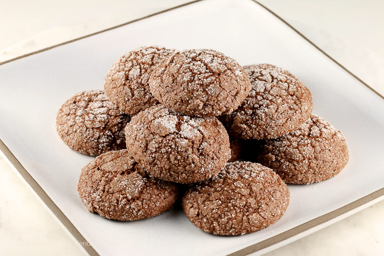 Dark Chocolate Bourbon Crackle Cookies © 2017 Jane Bonacci, The Heritage Cook