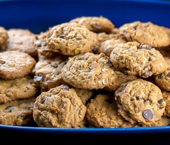 Oatmeal, Chocolate Chip, Peanut Butter Cookies (Gluten-Free)