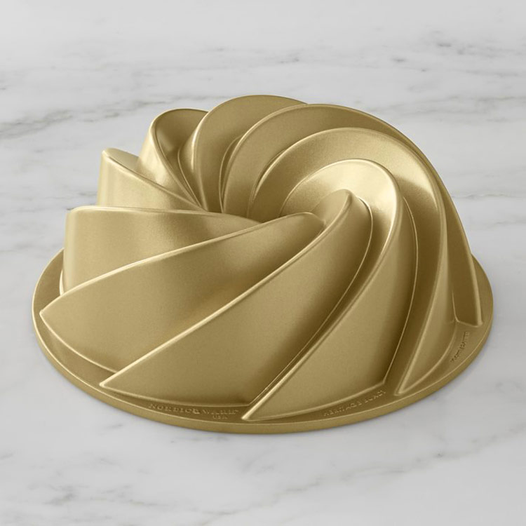 Gold bundt pan; A dozen gift ideas for the cooks, bakers, and food lovers in your life 2018 compiled by Jane Bonacci, The Heritage Cook