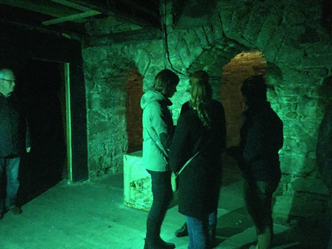 inside the edinburgh vaults