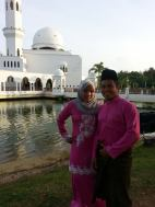 Couple in front of the Floating Mosque in Kuala Terengganu