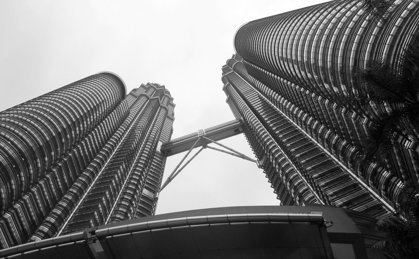 Chromatic Outlook : Petronas Towers