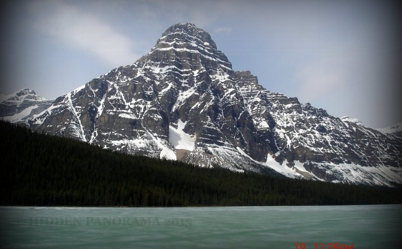 Natural Wonders : Mount Chepren and Waterfowl Lake