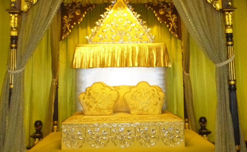 Enriching Viewpoint : Replica of The Royal Throne of Perak