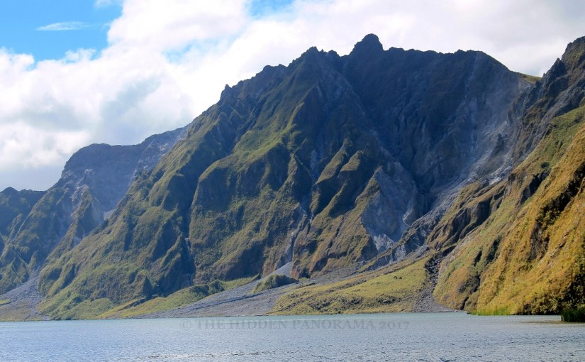 Panoramic View : Pinatubo Crater Lake