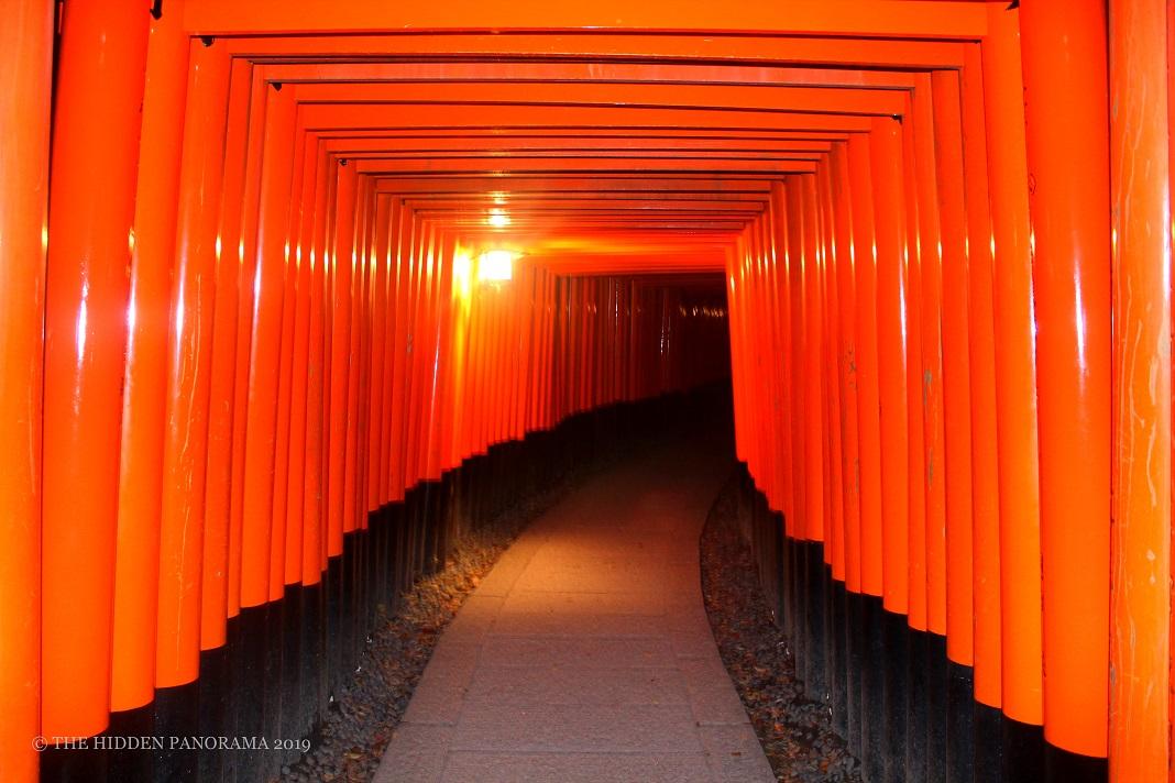 Discovery : Fushimi Inari Taisha - Senbon Torii (Thousand Gateways)
