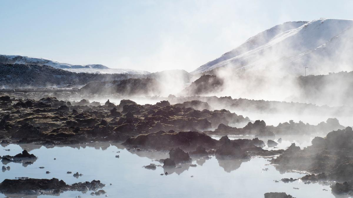 Water vapours floating above a hot spring perfectly depicts the Gui Wei's gift of restlessness