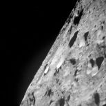 Arrival at the moon. A picture of the surface (Photo: Image Science and Analysis Laboratory, NASA-Johnson Space Center)