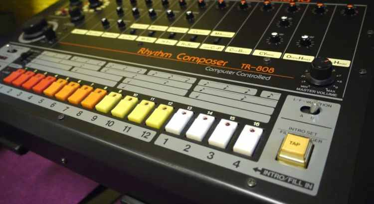 Download free samples from Roland TR 808 and 909 classic