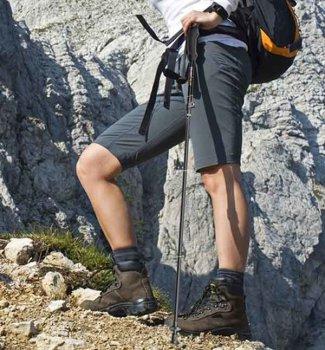 Knee_Pain_While_Hiking