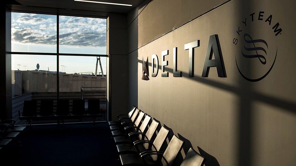Delta cancels 100 flights due to staff shortages