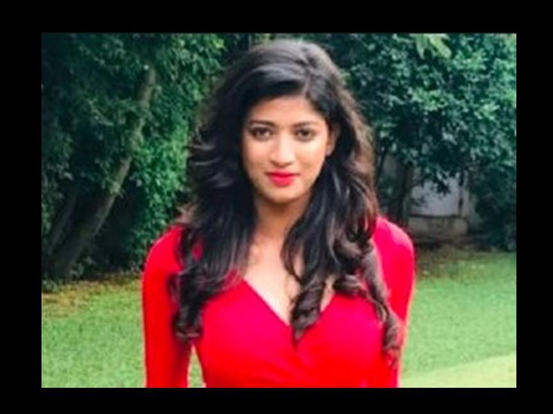 कन्नड़ टीवी अभिनेत्री मीबिना माइकल की कार और ट्रैक्टर की टक्कर से मौके पर ही मौत हो गई।