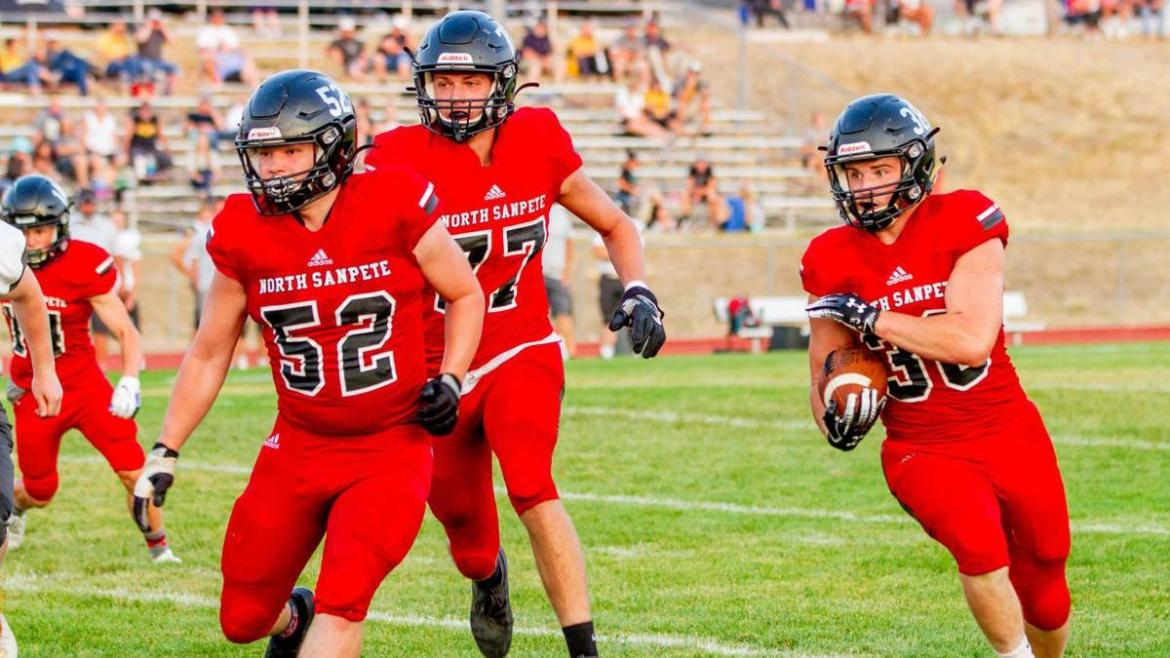 Battle in the Boonies: Hawks dominate Wildcats behind epic performance from Bowles