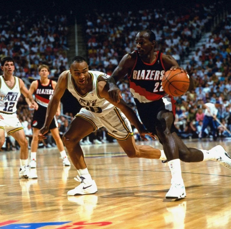 Throwback Thursday: Karl Malone Carries the Utah Jazz to the Second Round