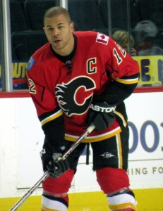 Jarome Iginla. 30 goals in 10 consecutive seasons. (Wikipedia Commons)