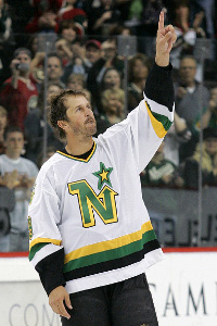 "Mike Modano began his NHL career wearing the Minnesota ""N."" (Flickr)."