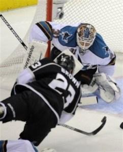 Sharks goalie Antti Niemi