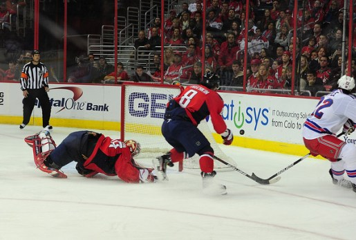 Ovechkin on the backcheck (Tom Turk/THW).