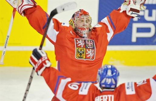 Will Patrik Bartosak follow in the footsteps of fellow countryman Petr Mrazek if he is drafted? (Larry Wong/Edmonton Journal)