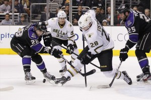 Los Angeles Kings center Jarret Stoll (28) and Dallas Stars defenseman Mark Fistric