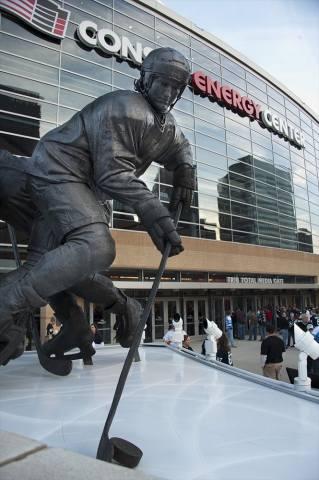 Mario Lemieux Statue