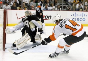Fleury had a disastrous series against the Flyers last April (Charles LeClaire-US PRESSWIRE)