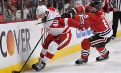 Blackhawks Exploit Red Wings' Errors in Dominant Game 1