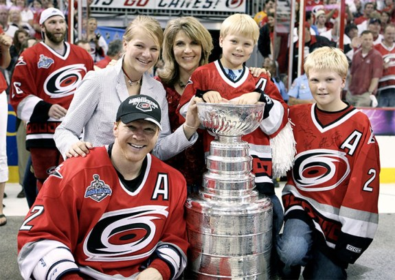 The Wesley family posing with the 2006 Stanley Cup. (Photo via Josh Wesley)