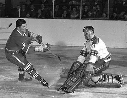Jacques Plante thwarts Leafs' andy Bathgate