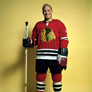 Bobby Hull returned to Hawks lineup and garnered 3 assists.