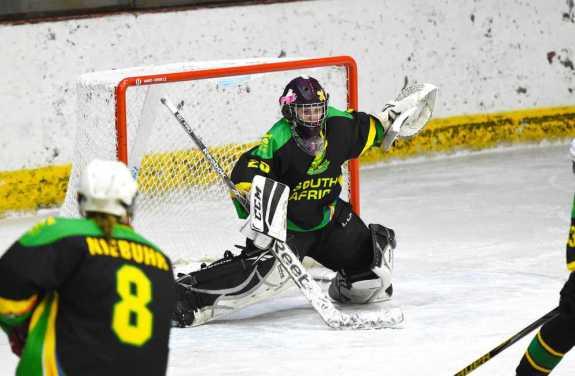 Znalezione obrazy dla zapytania south africa women's ice hockey