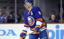 Tavares Signs With Maple Leafs