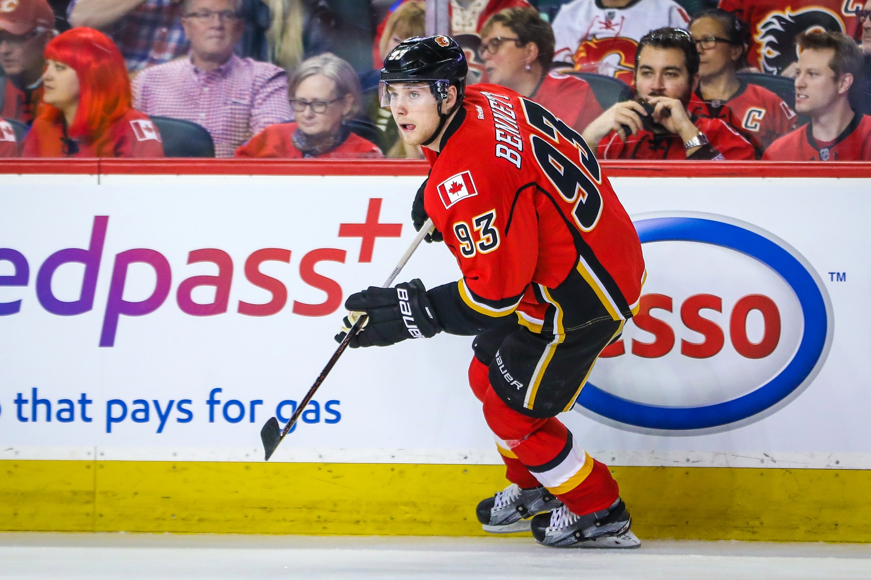 Forward Sam Bennett signs two-year deal to remain with Flames