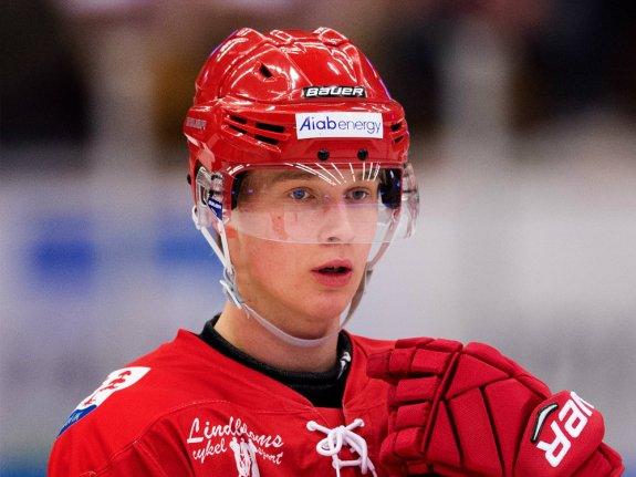 Potential Detroit Red Wings draft pick Elias Pettersson.