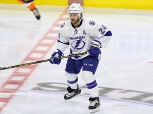 Lightning Forward Ryan Callahan (24)