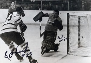 Eddie Shack beats Gump Worsley for Leafs first goal.