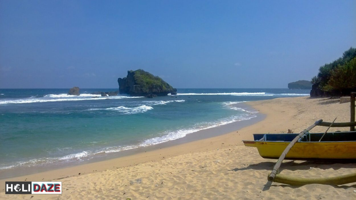 My favorite deserted beach in Indoesia is Pantai Ngandong in Gunungkidul, about two hours from Yogyakarta