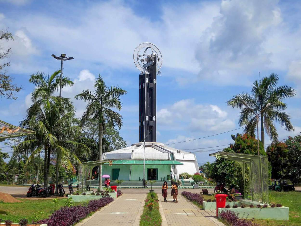 The Pontianak Equator Monument is not actually on the equator -- that is why it is one of the unique and offbeat Indonesia destinations