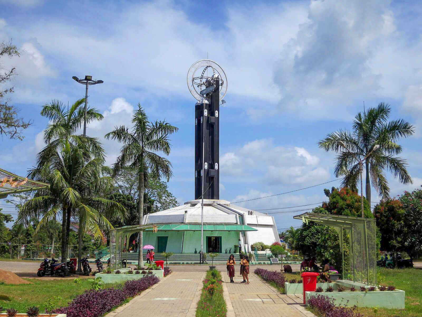 The Pontianak Equator Monument is not actually on the equator. That is why it is one of the unique and offbeat destinations of Indonesia.