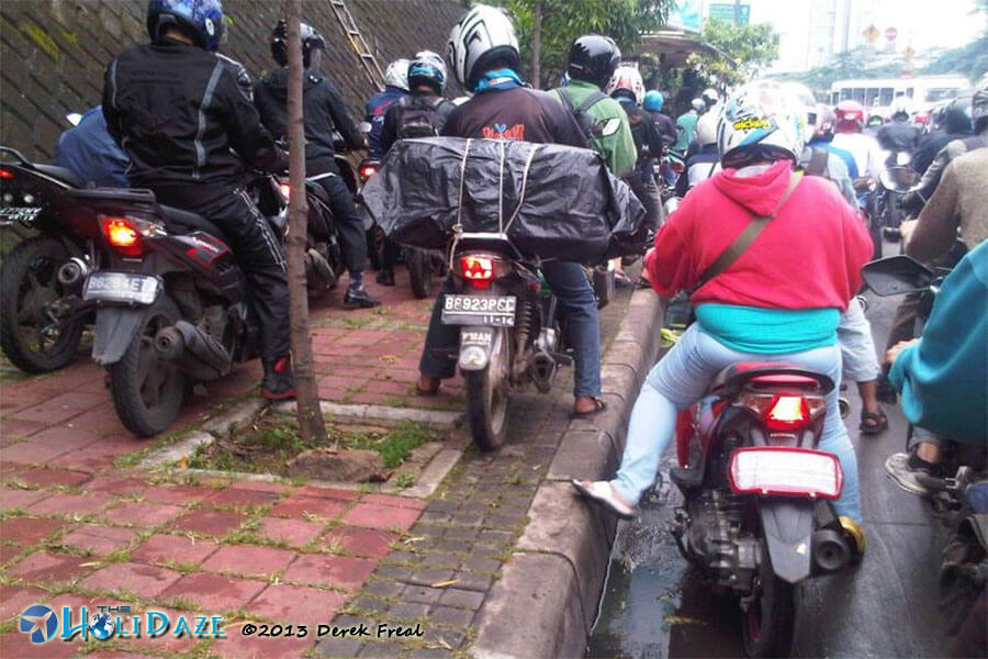 Indonesia By Motorcycle: Another traffic jam