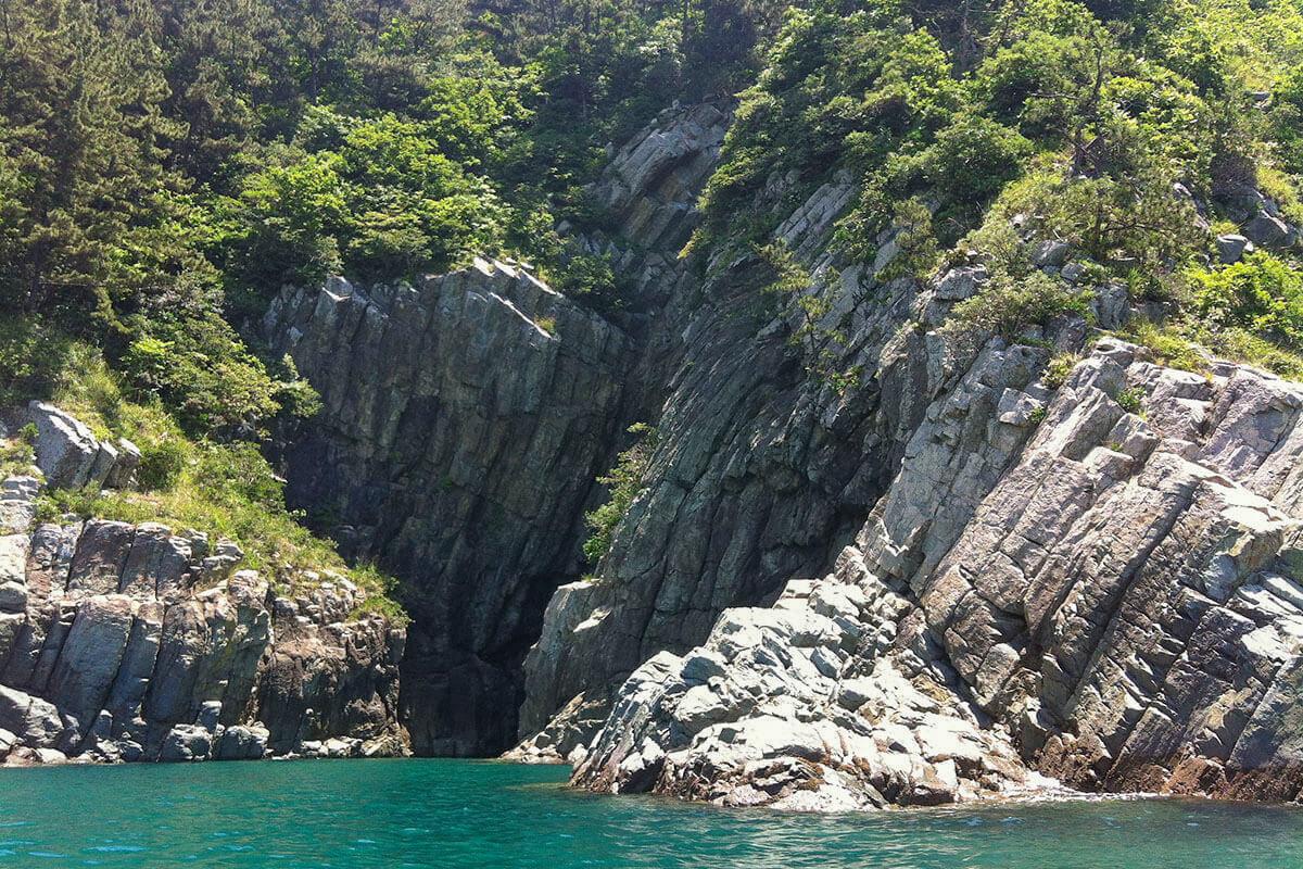 Kayaking the sea caves around Dumo, Namhae Island, South Korea