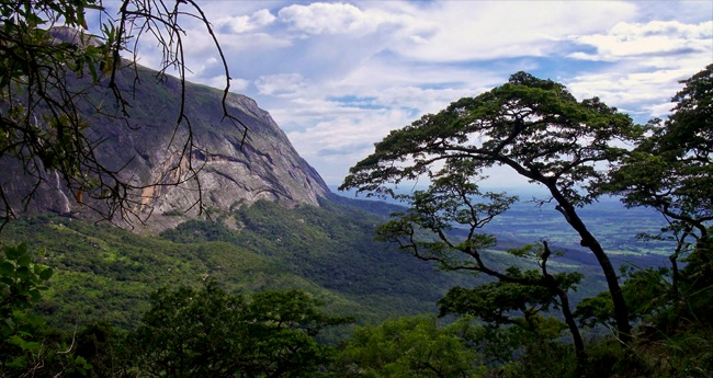 Easy Countries For Americans To Visit: Malawi