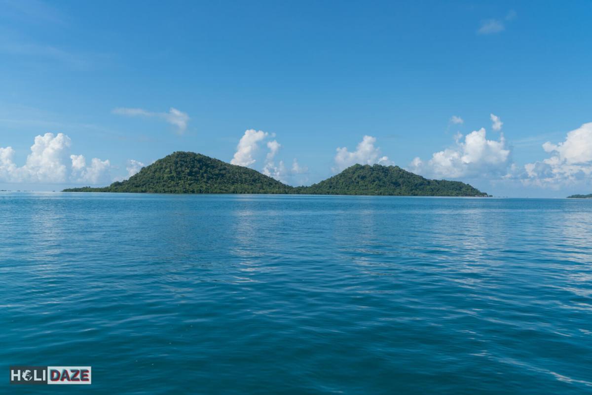 Karindingan Island (Pulau Karingingan) just off the coast of Semporna, Sabah, Malaysia