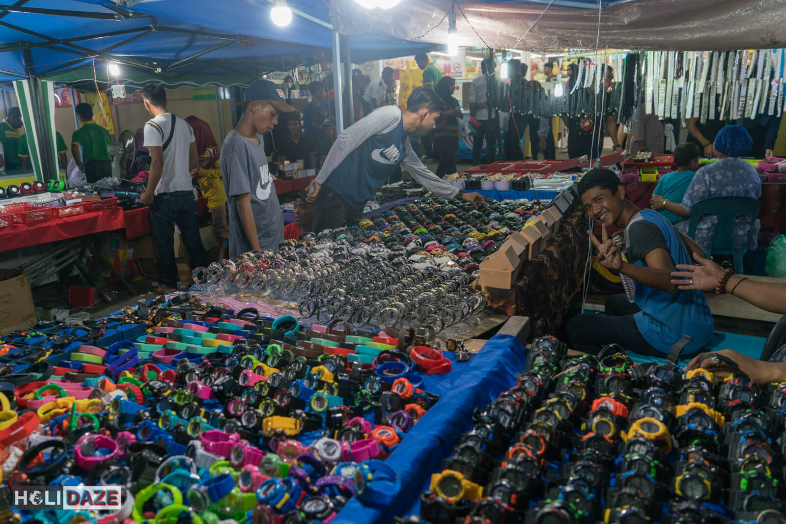 Crowds at the Semporna night market during Lepa-Lepa