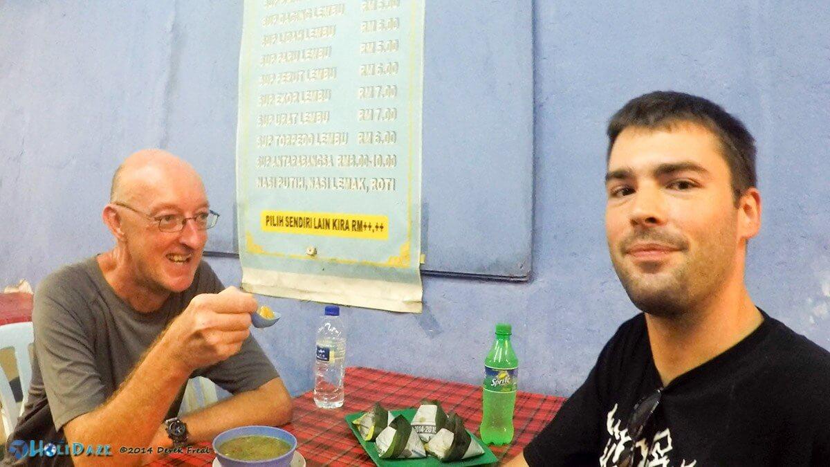 Derek Eats That! Episode 01: Sup Torpedo in Chow Kit, Kuala Lumpur, Malaysia