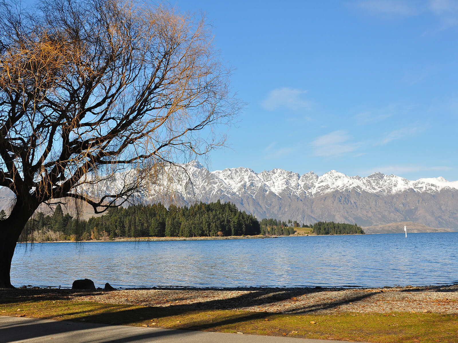Lake Wakatipu in Queenstown, New Zealand, with snowcapped mountains looming in the background.....gorgeous!