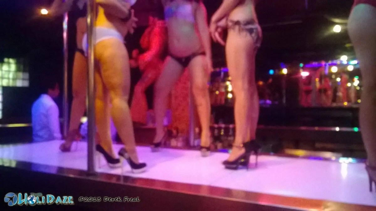 Candid shot of Bangkok nightlife snapped in Superstar, located in Patpong, on a Tuesday night