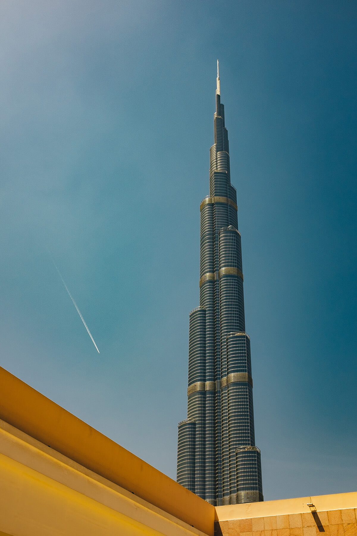 Going up the Burj Khalifa (the world's tallest building) costs over $100 but photographing it from the street is one of the best free things to do in Dubai