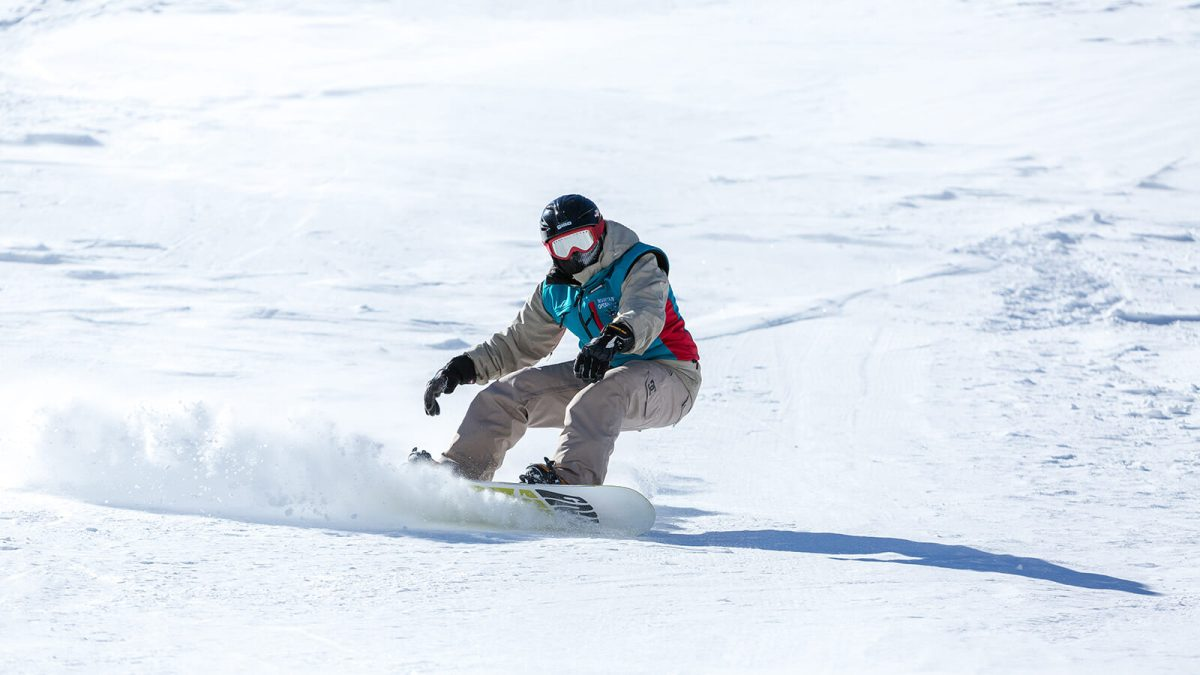 Snowboarding at Grindstone Lake is one of the many unique and offbeat winter activities in Ruidoso, New Mexico