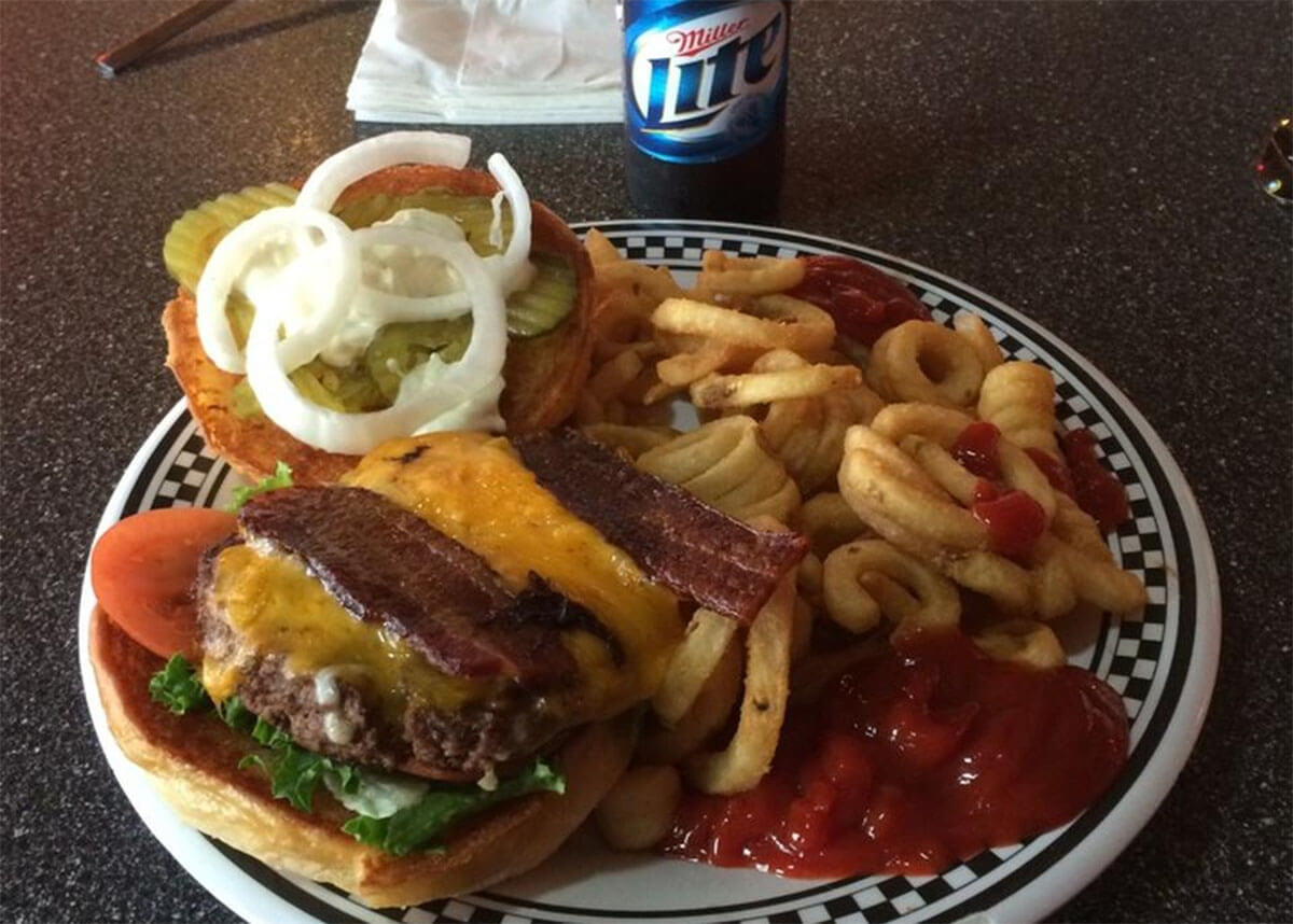 Burgers and beer at Wallbanger's in Corpus Christi